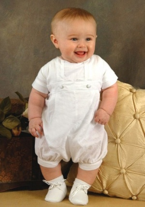 Baby\'s Christening Gowns with Buttons Ruching in Cotton