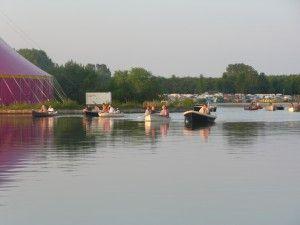 Rietplas in Emmen. Het Retropop festival aan de plas wordt jaarlijks gehouden in juni.