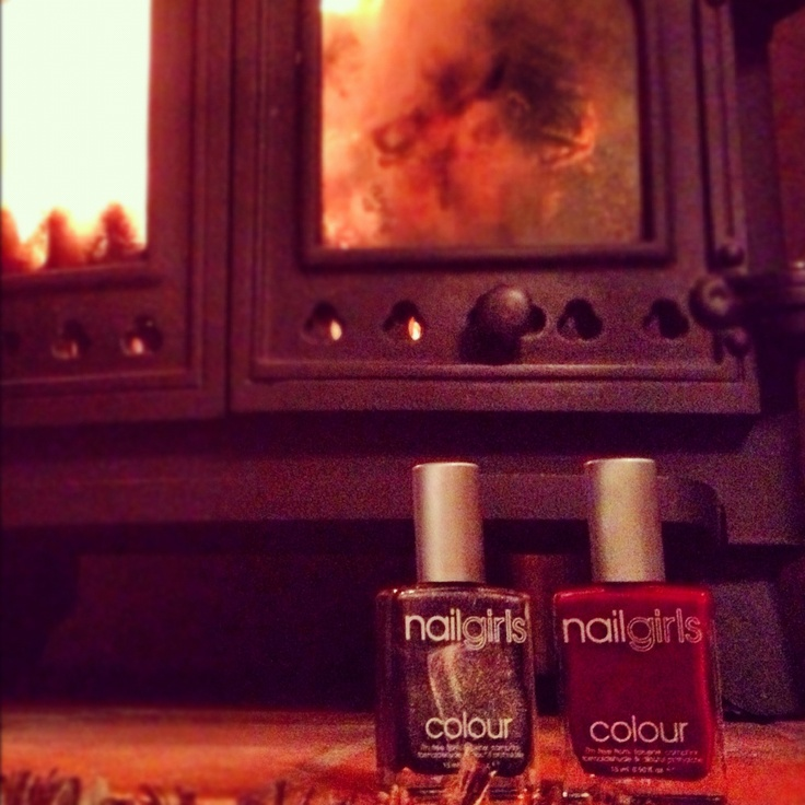 Warming themselves as it gets a bit nippy! #nailgirlsabouttown