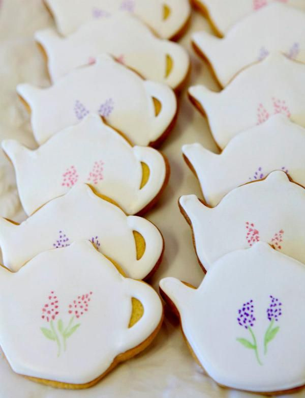 Ladie's Vintage High Tea - teapot cookies