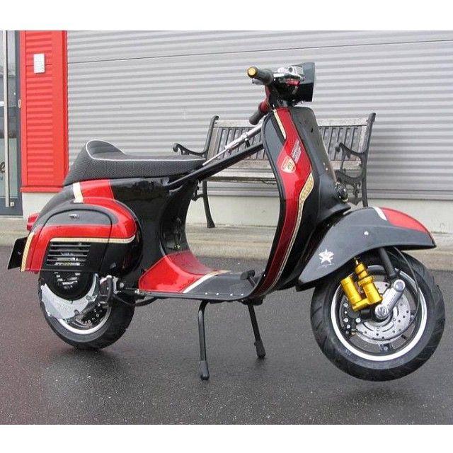 best 25 scooter custom ideas on pinterest used mopeds honda ruckus and moto z mods. Black Bedroom Furniture Sets. Home Design Ideas