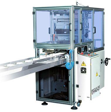 Yan yana dizilmiş Sabun, Bisküvi, Gofret veya küçük hacimli kutuların bir arada Multi-pack olarak paketlenmesi için ideal bir makinadır. Opsiyonel olarak elevatör sistemiyle 2 sıra olmak üzere üst üste paketleme yapılabilir.