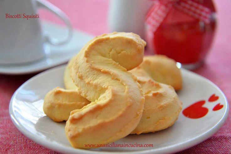 Biscotti Squisiti Siciliani o Biscotti a S sono dei biscotti molto semplici da preparare ma, come dice il nome, squisiti da mangiare.