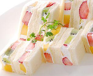 フルーツサンドウィッチ Japanese Fruits sandwitches