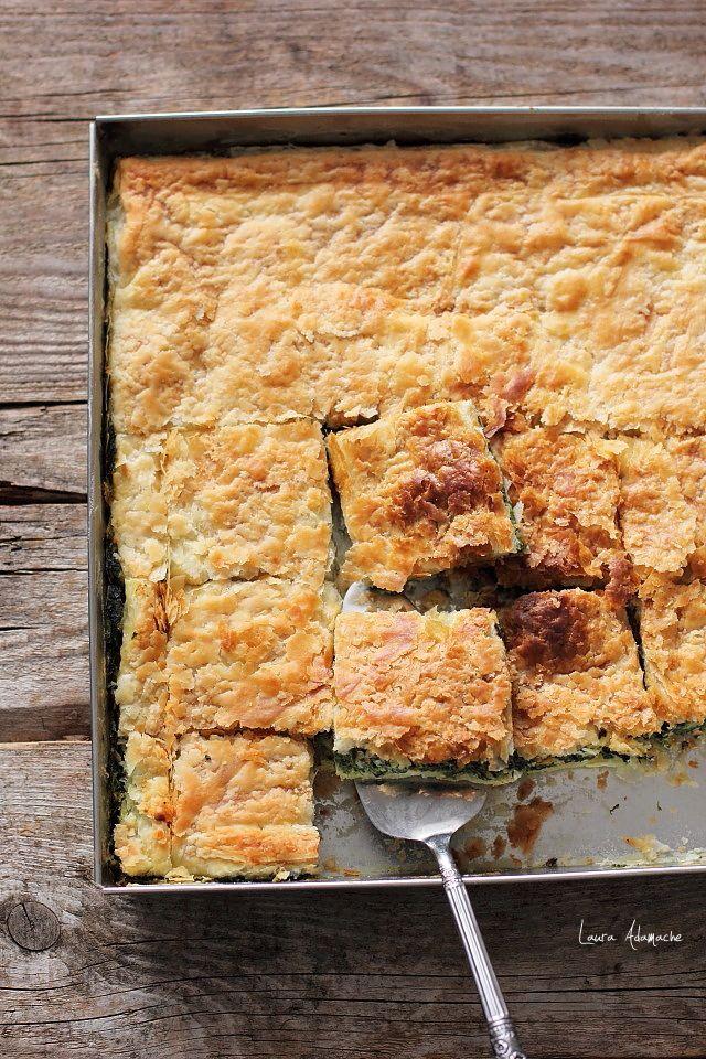Placinta cu naut si spanac, o reteta simpla, deosebit de gustoasa cu naut boabe Sunfood si spanac decongelat. Reteta placinta spanac si naut.