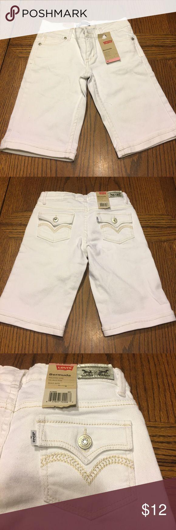 Girls Levi's Bermuda Shorts NWT Girls Levi's Bermuda Shorts. White size 12 Levi's Bottoms Shorts