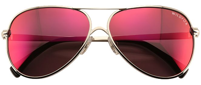 These rose hued silver trim sunnies are ideal if you want to express your inner hippy chick without looking like you've stepped straight out of the 1960s. On trend but with a hip retro twist, wear these mirrored beauties and you can truly view the world through rose tinted glasses. Perfect for picnicking, outdoor parties, and the festival circuit, wear with a long maxi dress and gladiator sandals, or denim cut offs, biker boots and a cheesecloth blouse.
