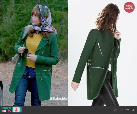 Emma's green coat on Bates Motel.  Outfit Details: http://wornontv.net/47183/ #BatesMotel