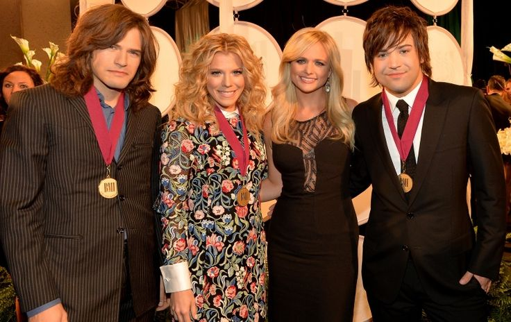 How many country stars can you fit into one photo? The Band Perry's Reid Perry, Kimberly Perry and Neil Perry mingle with Miranda Lambert backstage at the 61st Annual BMI Country Awards on Nov. 5 in Nashville, Tenn.: Awards Miranda, Reid Perry, Band Perry S, Photo, The Band Perry, Band Pery, Miranda Lambert, Blake Miranda