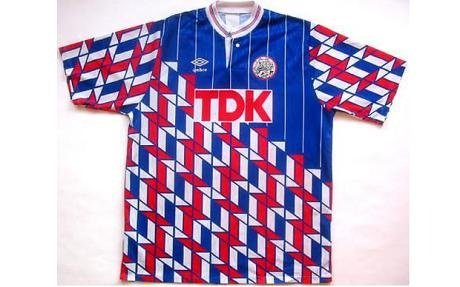 "Ajax's away shirt from the early 1990s. Umbro's designers deciding to ""go a bit nuts""....."