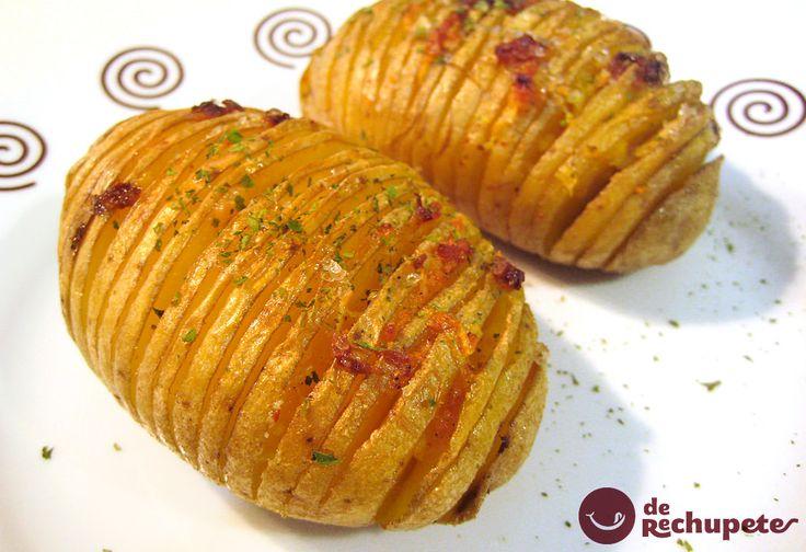 Cómo preparar patatas asadas o al horno de una manera diferente. Con esta receta sueca, al estilo Hasselback, patatas en acordeón alucinarán tus invitados. Preparación paso a paso, fotos, consejos y trucos.