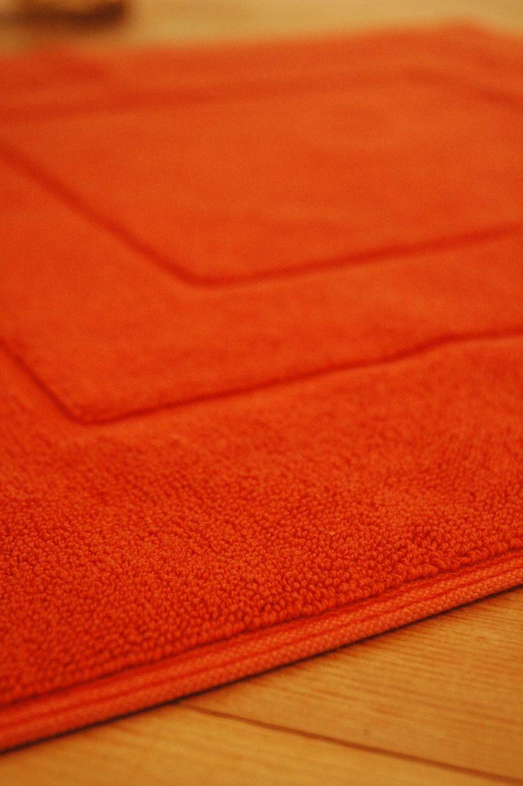 Terrakotta színű Flair kádkilépőnk 100% pamut, könnyen mosható, gyorsan szárad, válaszd te is ezt!