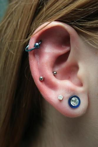 173 best images about ear piercings on pinterest plugs anti tragus and chain earrings. Black Bedroom Furniture Sets. Home Design Ideas