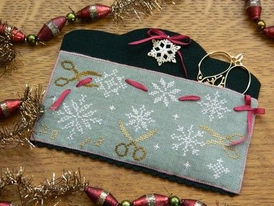 Snowflake pouch. Free cross-stitch pattern and finishing instructions from Patrick's Woods.