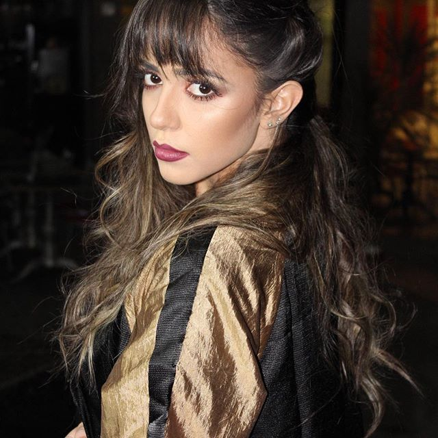 Fotos noturnas! Modelo: @alvescamim Cabelo: @vivi_siqueira Makeup: @lualencarmakeup