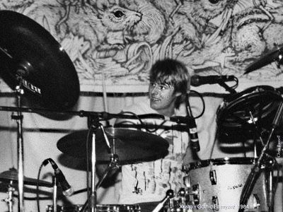 (aka Xristo) Christopher Russell. session drummer alternative rock, electro and blues. Gothic Farmyard, The Delightfuls, Moonshots, KK Frankenstein, BJ blues band, Tin Ears, Mr Megatron, etc..