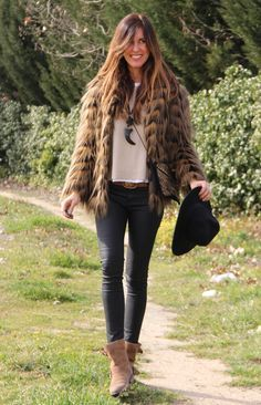 Vintage shaggy coat, black skinnies, felt wide brim, sweater knit & layered boho necklaces. Mytenida.