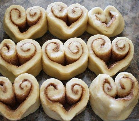 Cinnamon Rolls o Rollos de canela con forma de corazón