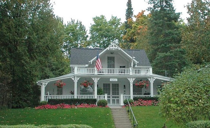 224 best bay view an american idea images on pinterest for Cottage builders in michigan