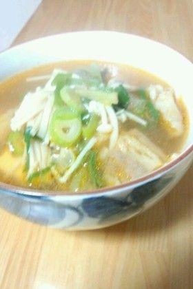 牛すじと豆腐のピリ辛スープ