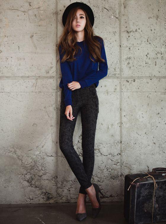 Casual Black Hat, Blue Longsleeves, Grey Skinny Jeans And -3689
