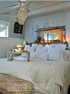 I love this room - and the toile bench at the foot of the bed is beautiful!