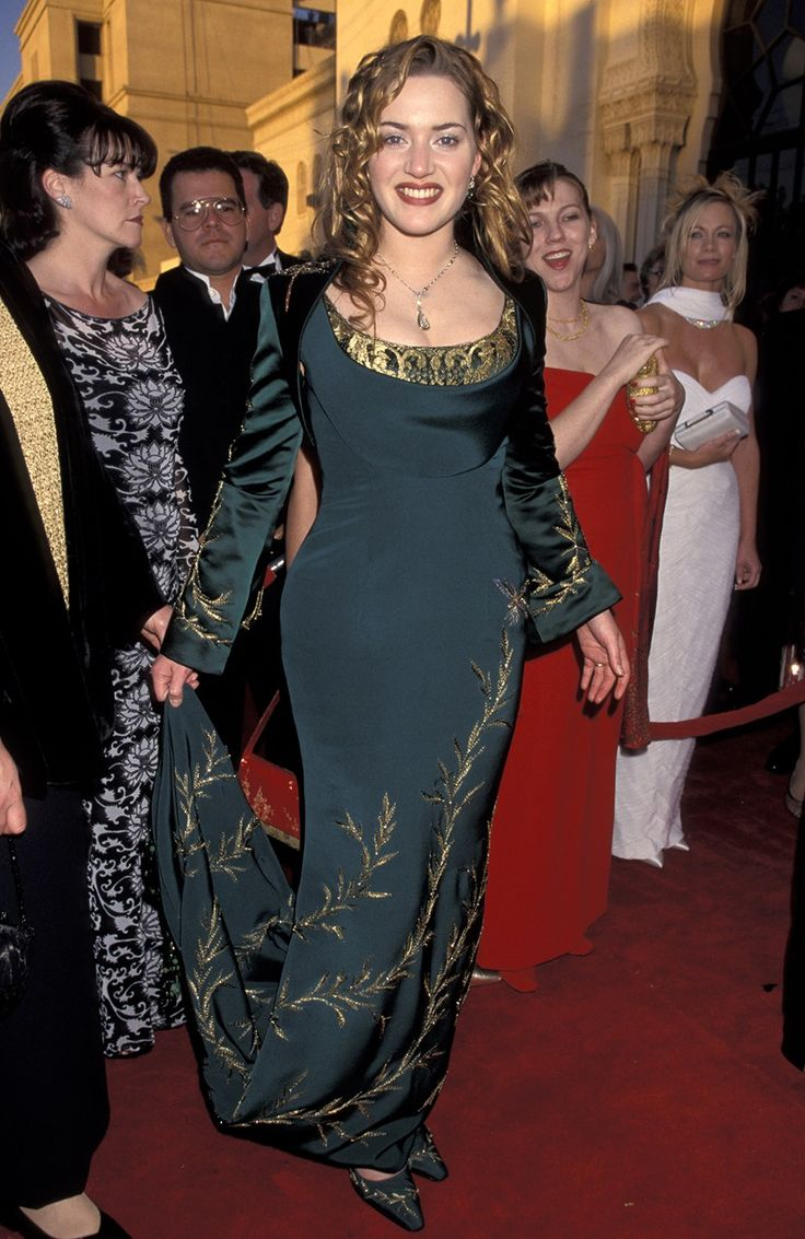 Kate Winslet's Oscar Dresses, Ranked | In Alexander McQueen (1998)