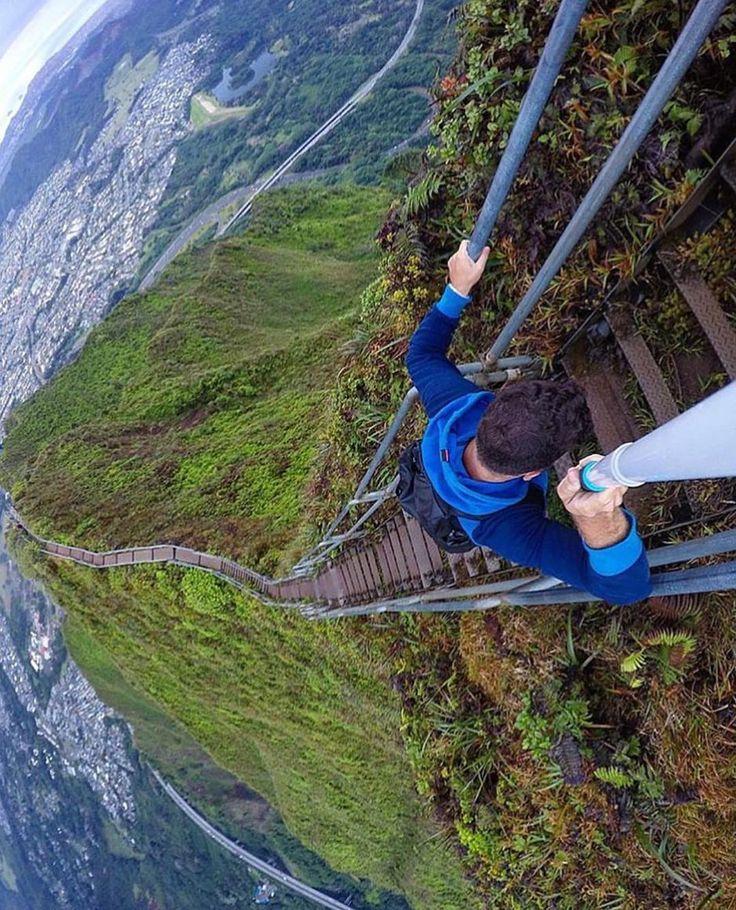 Stairway to Heaven Oahu Hawaii | Photography by @oscarpedroso #TheGlobeWanderer by theglobewanderer