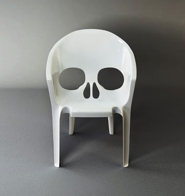 skull lawn furniture. Sold!