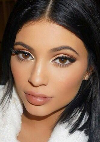 Kylie Jenner Has A Genius Eyeliner Trick For You To Try