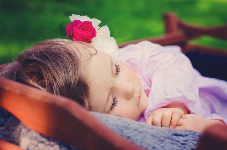 1,5 roczna Lilianka w letniej sesji plenerowej. dreamlights.pl