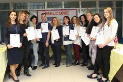 """Avrupa Birliği Erasmus+ KA2 projesinde İngiltere, Romanya, Avusturya ve Belçika'dan okullarla birlikte çalışan İzmir Fatih Koleji geçtiğimiz hafta """"Makaton Dili"""" projesine ev sahipliği yaptı."""