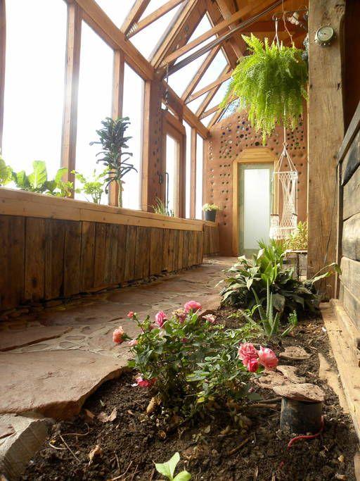 Regardez ce logement incroyable sur Airbnb : Most Unique Stay on PEI Guaranteed! - Maisons organiques à louer à Wellington