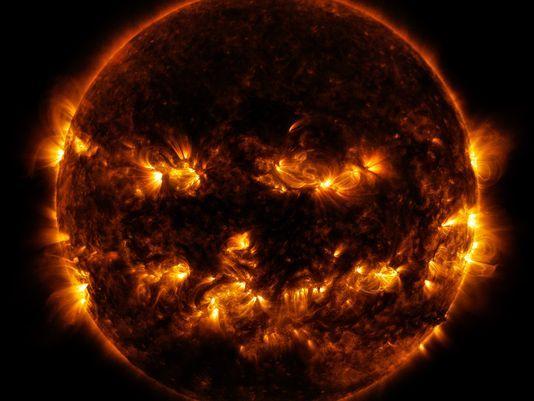 2014-10-08 -jackolantern sun NASA caused lots aurora activity