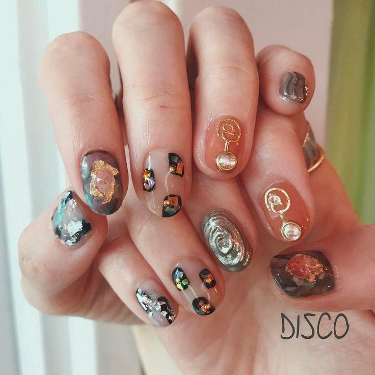 nail by @nagisakaneko (90min) . フィゲーラスのDaliミュージアムへ行かれるお客様へあ〜私もまた行きたい〜 . #disconail #disco @disco_tokyo