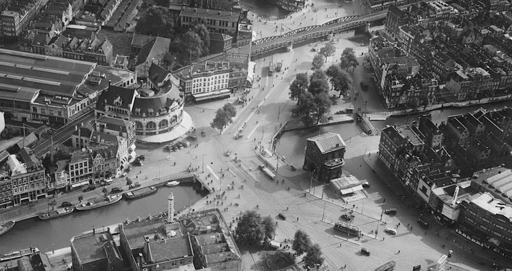 1938. Hofplein met Delftse Poort.  Gezien vanaf Schiekade.