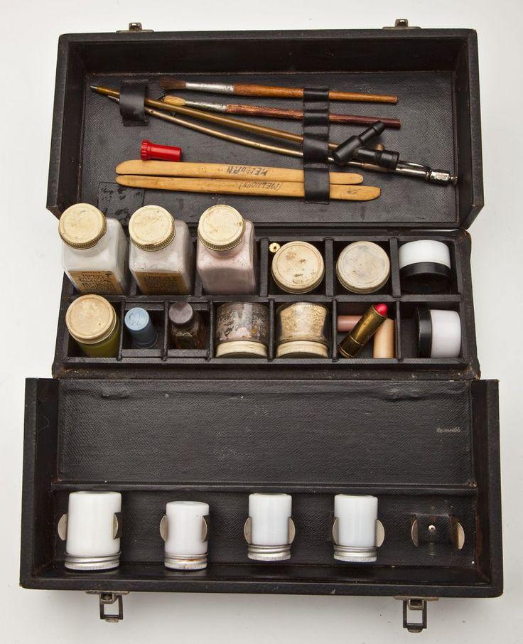 Vintage Mortician Make Up Kit