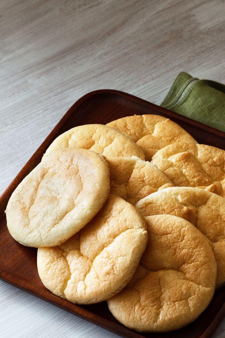 Keto Bread       3 eggs (room temperature)     3½ oz. cream cheese (room temperature)     1 pinch salt     ½ tablespoon ground psyllium husk powder (or ground flax seed)     ½ teaspoon baking powder