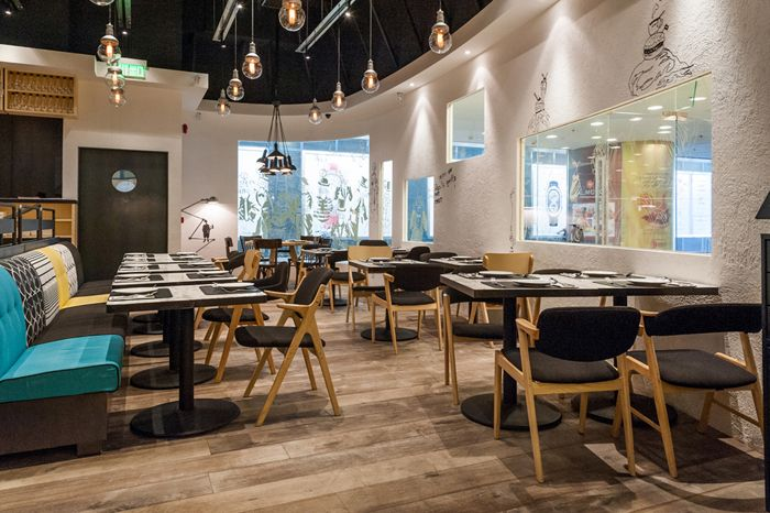 #Greyhound #HK  trendy, hip and casual dining