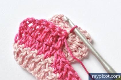 Manta para bebe tejida a crochet con puntos de corazon-11