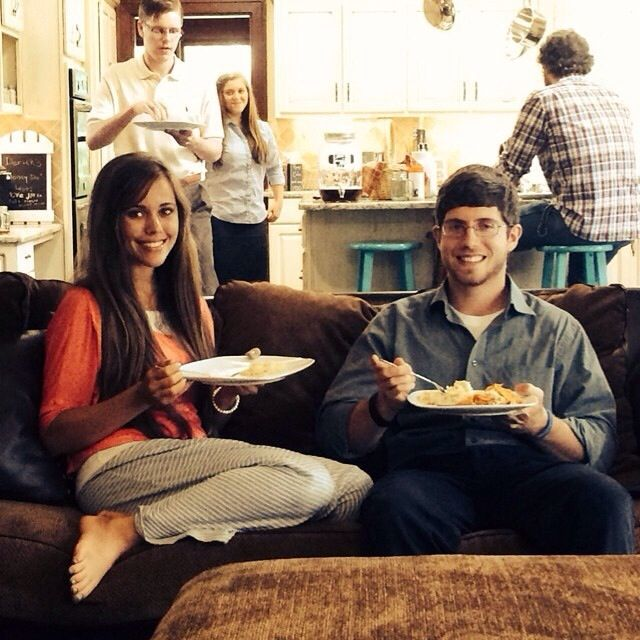 Jessa duggar feet t v sows and movies on pinterest duggar family