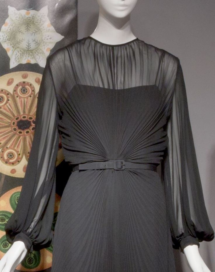 https://www.facebook.com/TheMuseumAtFIT/The sunburst pleating on this 1975 Bill Blass dress radiates from the center, creating a dynamic pattern. This alludes to the radial symmetry that characterizes some natural forms, such as flowers and snowflakes. Many shapes and patterns employed in design are inspired by this type of symmetry.