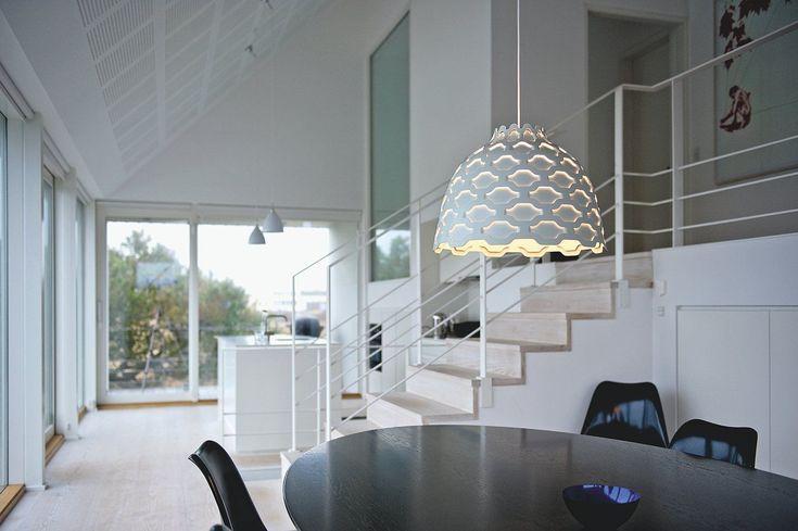 Suspension LC Shutters Blanc - Louis Poulsen - Décoration et mobilier design avec Made in Design