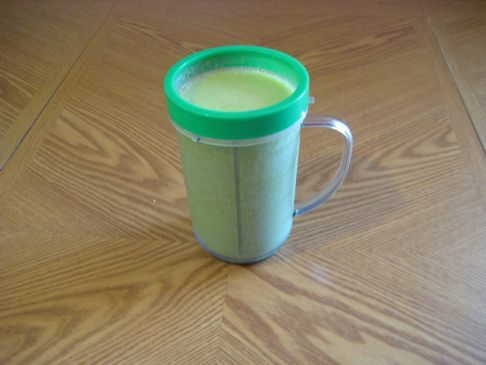 magic bullet green smoothie One cup fresh spinach A quarter cup sliced cucumbers Half a banana(fresh or frozen) Half a cup pineapple(fresh, canned, or frozen) Half a cup vanilla yogurt Half a cup juice(any kind)