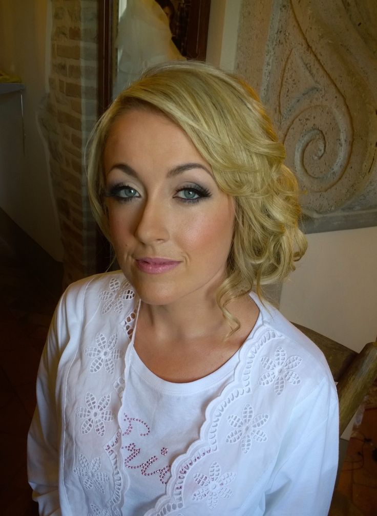 smoky eye wedding makeup in Rome by Janita http://janitahelova.com/