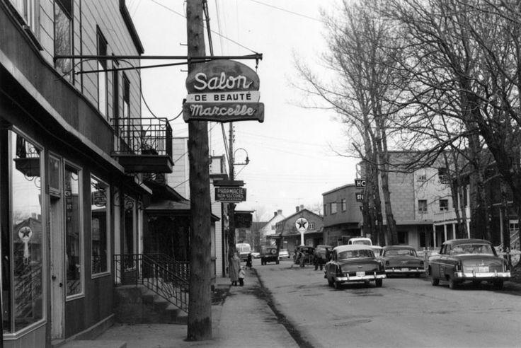 Vers 1950. Salon de beauté Marcelle...rues étroites car secteur non détruit par le feu de Rimouski en 1950.
