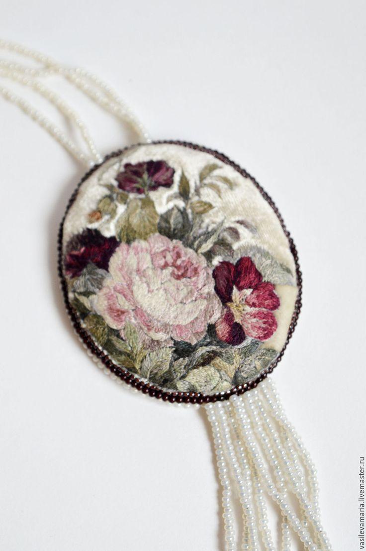 """Купить Кулон """"Лето"""" - комбинированный, кулон, украшение, авторская ручная работа, вышивка, Вышивка гладью"""