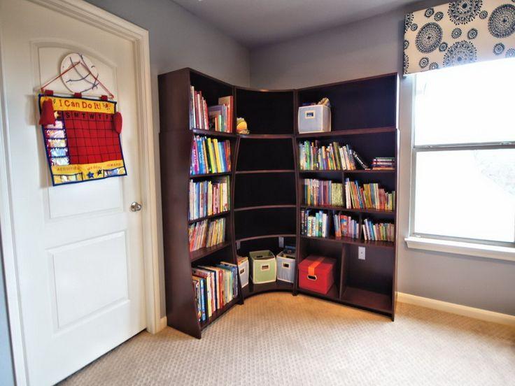 Best 25 corner bookshelf ikea ideas on pinterest small for Modern corner bookshelf
