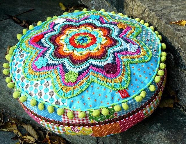 Banju buntenadel. How beautiful. I wonder if I could make one of these?