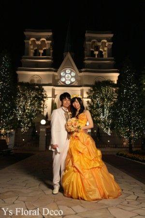 5月にパルティーレ横浜で挙式の新婦さんよりお写真をいただきましたので、ご紹介いたします。鮮やかな黄色のドレスに合わせてお作りさせていただいた花冠とリストレ...